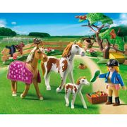 Playmobil-Country-Padoque-com-Cavalos-e-Potro